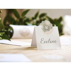 Biela menovka na stôl - biela rozetka